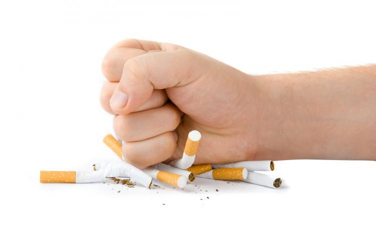 """""""Meglio Smettere"""", la campagna degli oncologi contro il fumo"""